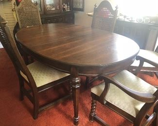 vintage wood dining table with 1 leaf & 6 chairs