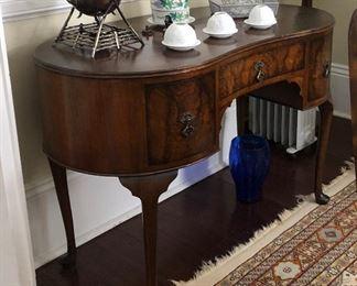 https://www.ebay.com/itm/114285585846PR110: Burled Wood Kidney Shaped Vanity Late 19th C Estate Sale Pickup