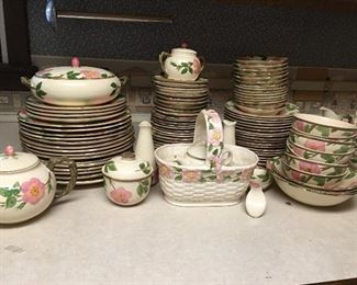 Set of Franciscan Desert Rose Dinnerware Original. Condition is Used. Franciscan started production of Desert Rose in 1941. It is the best selling pattern in the history of American dinnerware. By 1964, sixty million pieces had been produced. First Lady Jacqueline Kennedy chose this pattern for use in the White House and it is now on display at the Smithsonian.