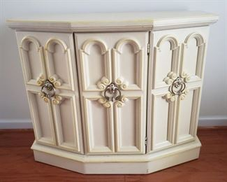 """Entry table with center open door panel. 14"""" deep x 35"""" wide x 29"""" tall."""