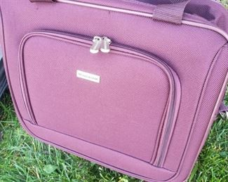 """Windham 2-section overnight/briefcase rollerbag. 16""""x 6"""" x 14"""""""