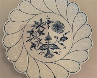 Meissen Blue Onion Plate - $35 - 11""