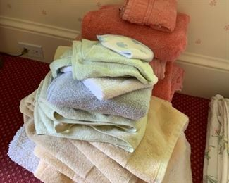 Lot of towels in various sizes and colors - $15