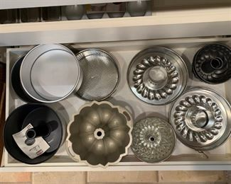 Lot of Baking Pans $35