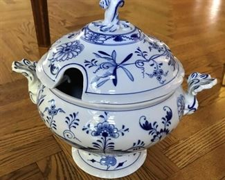 "Alternate view - Meissen Blue Onion Tureen - 12""H x 9""D x 14""W - $125"