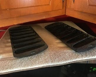 Cornbread cast iron pieces