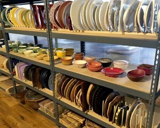 Chargers, Platters, Cutting Boards, Bowls, & Trays