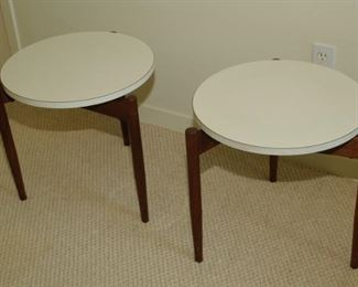 "Rare pair of 18"" Jens Risom tripod dark walnut with white Formica tops staking side tables design in the 1960's"
