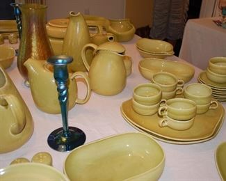 "Large collection of Russel Wright ""Chartreuse Curry"" pottery"