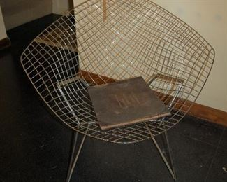 Diamond wire chair by Knoll