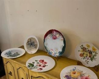 1 Porcelain and 5 Satin Glass Painted Plates