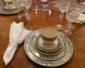 Huge Lenox Presidential Collection China set! Amazing Design and detail.  Excellent Condition!