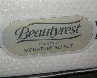 Beautyrest Recharge Full Size Mattress boxspring set fairly new $250