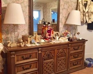 Dresser and sundries