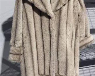 Ladies Faux Fur Coat XL