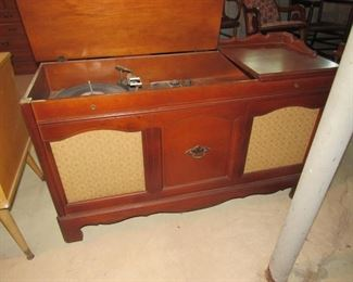 GE Console stereo- radio works but the turntable does not