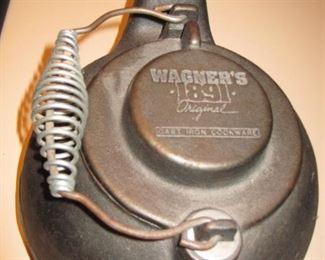 $20.00, Wagner 1891 cast iron tea pot