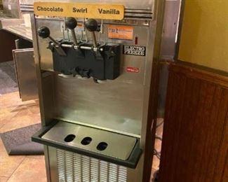 Soft Serve Ice Cream Machine Electro Freeze model SL500-232