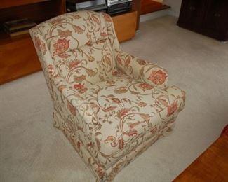 "Cushioned arm chair, Floral, 30"" W x 32"" D x 31"" hFloral"