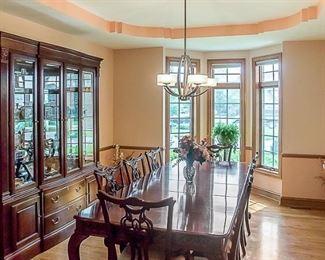 2. Dinning Room set