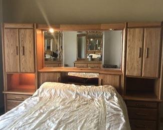 4.a. Queen size bedroom set