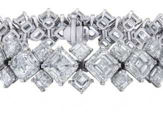 N ELEGANT DIAMOND BRACELET, 87.70 CARATS Spectacular diamond fashion bracelet presenting 48 Asscher-cut diamonds weighing 87.70 carats, GIA certified I-M VVS2-SI1, presented in a platinum prong setting. With a total of 46 GIA certificates