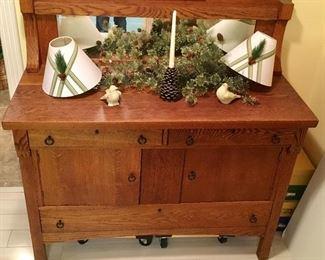 Excellent ANTIQUE Oak Side Board Buffet