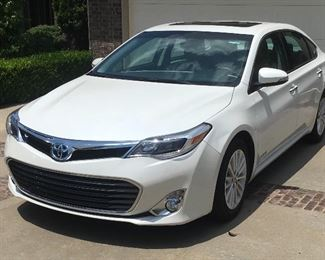 2015 TOYOTA AVALON HYBRID, 46,XXX MILES. RUNS GREAT, NEW BATTERY. PLEASE SCROLL TO BOTTOM FOR REMAINING PHOTOS. AVAILABLE NOW PRE SALE .