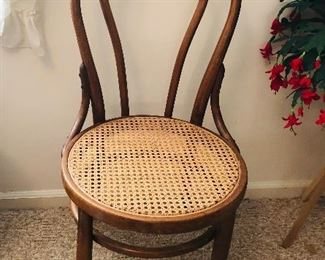 5 Bentwood chairs