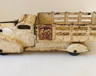 1940's Marx Marcrest pure milk dairy stake truck