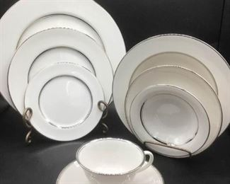 97 Piece Flintridge China Bon Lite