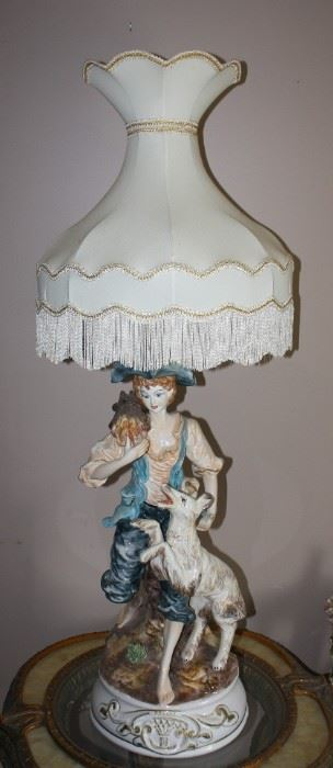 Beautiful 39 inch Capodimonte Porcelain Lamp! No Damage