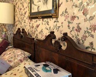 Antique bedroom set & separates