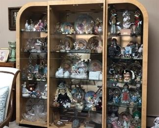 Jam packed home with vintage collectibles & this Vintage Etagere