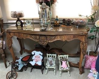 Vintage console table & collectibles