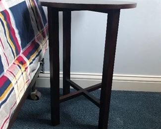 Night Stand/End Table/Plant stand