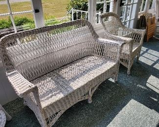 Very nice wicker set