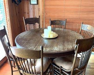 Oak table 6 six chairs