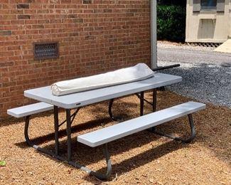 umbrella picnic table