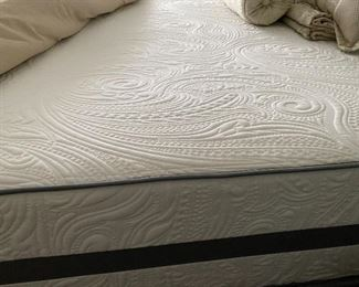 Fantastic King 'flippable' mattress with 2 twin boxsprings.  Over $3,000 when purchased from Brothers bedding and has been flipped every 3 mo.