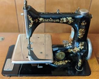 Nice Small Antique Singer Sewing Machine(Cabinet Style)