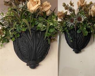 Pair wall pockets/florals