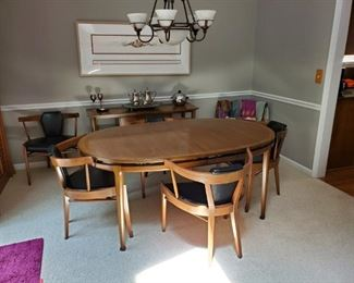 Great mcm table with 8 chairs and leaves