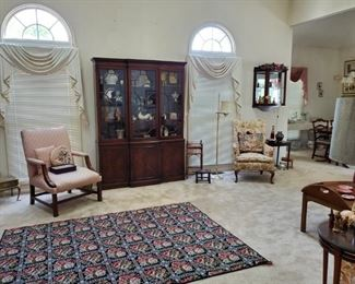 Beautiful rug, china cabinet,glassware