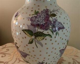 REDUCED!  $95.00 now, was $125.00......Beautiful Lilacs China Lamp  Chintz(UL116)