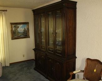 China cabinets in super condition