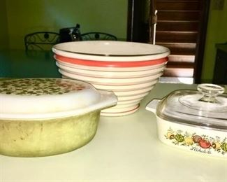 Vintage Pyrex, stoneware and other kitchen collectibles