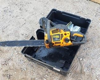 Poulan Pro 42cc ~ 18in. Chainsaw ~ has compression and Case