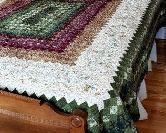 Victorian Eastlake double bed complete & nice quilt