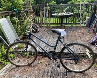 #2Vintage Savannah Ruffy  Bicycle$50